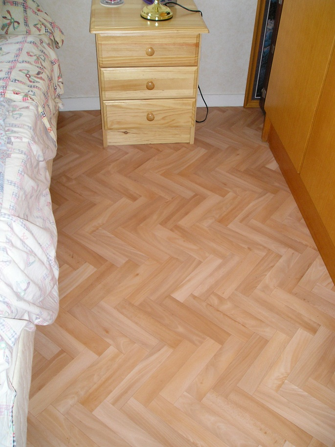lino imitation parquet photos de conception de maison. Black Bedroom Furniture Sets. Home Design Ideas